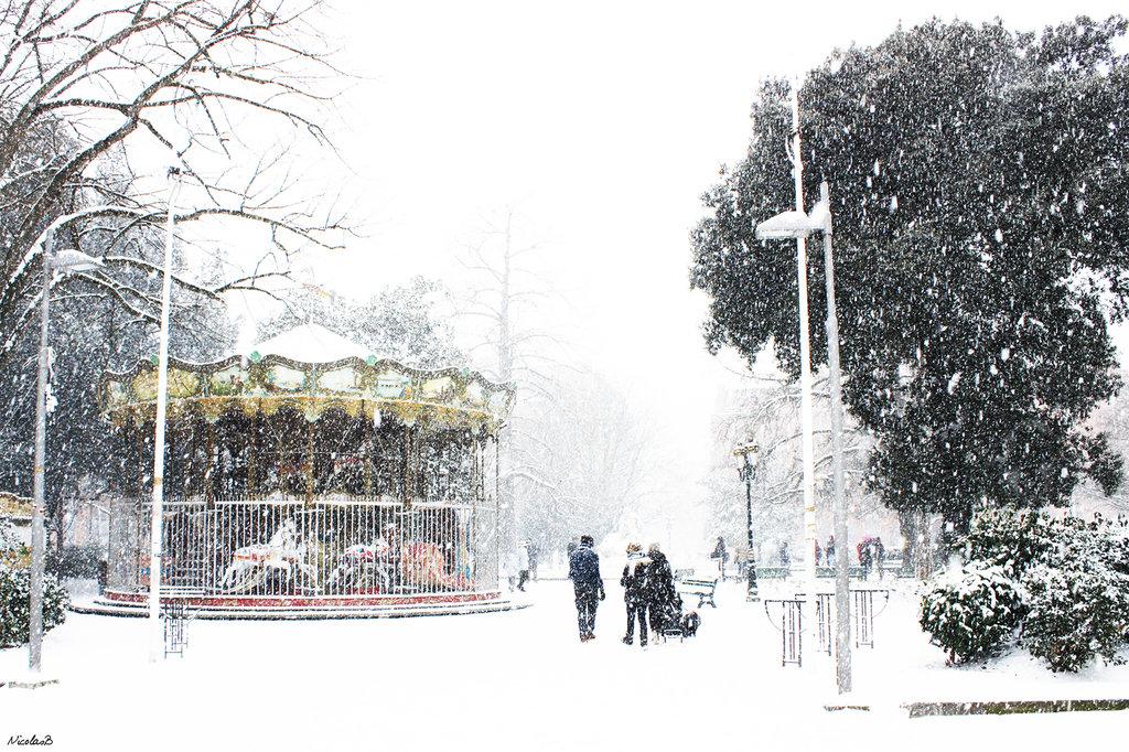 Carroussel sous la neige