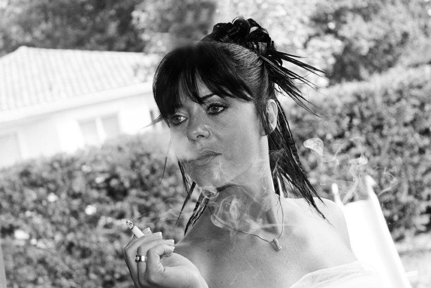Mariée qui fume