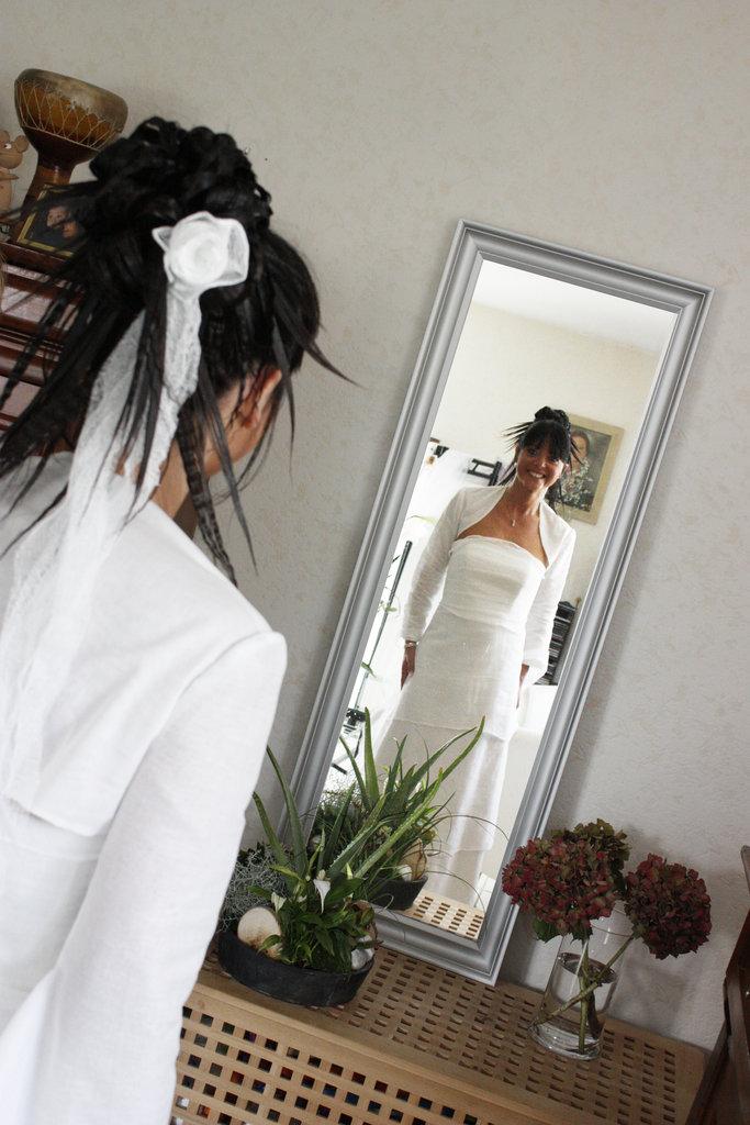 Mariée dans son miroir